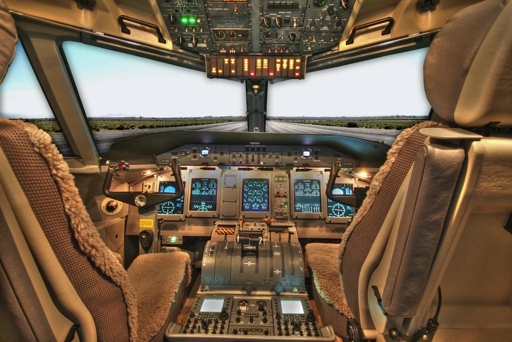 Cariere în aviație: ROMAERO S.A: face 1.000 de angajari
